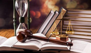 Law & Legal & Attorney: Rules for Divorce and Custody in Arizona